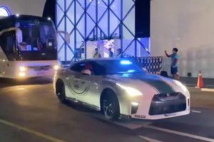 Nissan GT-R làm xe dẫn đường của tuyển Việt Nam tại Dubai