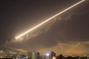 Syria tuyên bố bắn rụng tên lửa của Israel trên bầu trời thủ đô Damascus