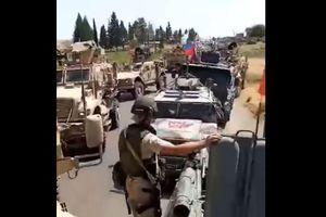 Đoàn xe của Mỹ bị xe bọc thép của Nga chặn đường ở Syria