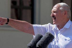 Tổng thống Belarus tung hành động cứng rắn, quyết mạnh tay sau bất ổn năm cũ