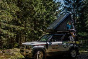 Land Rover Defender xuất hiện tại cuộc đua mạo hiểm khắc nghiệt nhất hành tinh