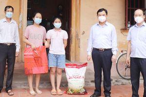 TP Bắc Giang tặng gạo cho tất cả hộ nghèo, cận nghèo