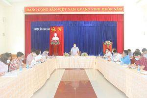 Phó Bí thư Tỉnh ủy Hà Quốc Trị làm việc với Huyện ủy Cam Lâm