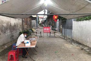 Huyện Đông Anh: Lập chốt kiểm soát y tế tại thôn Lương Quy, xã Xuân Nộn