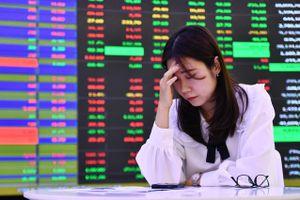 Tiền đổ vào chứng khoán có khiến thị trường tạo bong bóng?