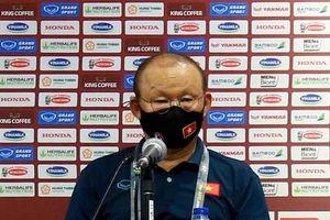 HLV Park Hang-seo: 'Tuyển Việt Nam sẽ chơi với cái đầu lạnh trước Malaysia'