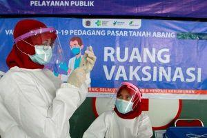 Số ca Covid-19 ở Indonesia tăng mạnh, Mỹ tặng thế giới 500 triệu liều vắc xin