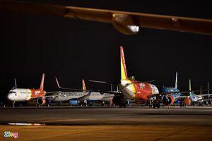 Hơn nửa đội bay của các hãng hàng không lại nằm sân