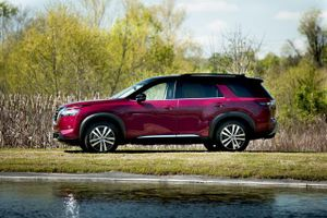 SUV Nissan dùng động cơ V6, giá gần 800 triệu, cạnh tranh với Kia Telluride, Mazda CX-9