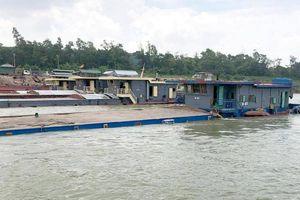 Phương tiện thủy chở quá tải tràn lan, ai xử lý?