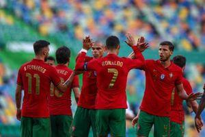 Bồ Đào Nha 4-0 Israel: Bruno Fernandes làm lu mờ C.Ronaldo