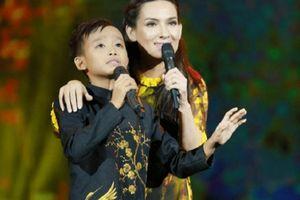 Dân mạng đào lại cảnh Phi Nhung bị con gái nuôi 'bóc phốt' bắt Hồ Văn Cường đi hát nhưng không trả tiền