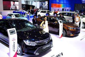 Khách Việt giảm mạnh mua ô tô trong tháng 5/2021
