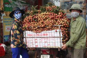 Vải thiều Bắc Giang được ưu tiên thông quan tại cửa khẩu tỉnh Lào Cai và Lạng Sơn
