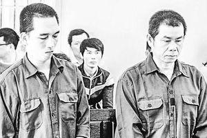 Hơn 25 năm tù cho 2 nhóm 'úm ba la' tiền thật ra... vàng mã!