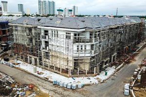 Nhiều dự án bất động sản TP.HCM vẫn loay hoay với đất công xen cài