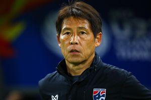 Cựu HLV Thái Lan cho rằng mức lương của Nishino là phí phạm