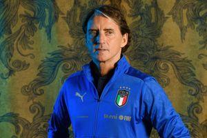 Roberto Mancini - người phục hưng bóng đá Italy