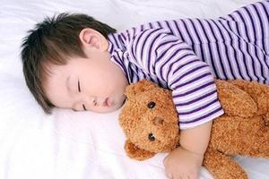 Bé ngủ trưa không phải nhiều mới tốt, vượt qua mốc thời gian này có thể gây phản tác dụng