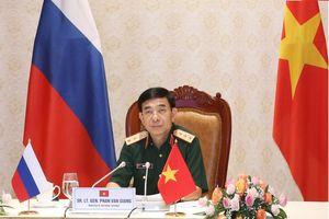 Bộ trưởng Phan Văn Giang điện đàm với Bộ trưởng Bộ Quốc phòng Nga
