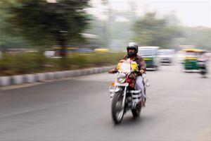 Chạy xe vượt quá tốc độ quy định bị phạt bao nhiêu năm 2021?