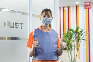 'Áo làm mát' chống nóng của sinh viên ĐH Bách khoa Hà Nội dành cho y, bác sĩ