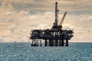 Giá dầu lập đỉnh mới nhờ triển vọng nhu cầu tiêu thụ