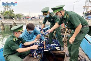 Phát hiện tàu cá tàng trữ công cụ kích điện khai thác thủy sản