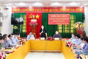 Thường trực Tỉnh ủy làm việc với Ban Thường vụ Huyện ủy Sơn Tây