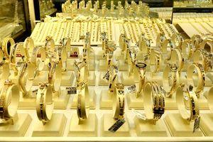 Giá vàng tăng 250.000-350.000 đồng/lượng