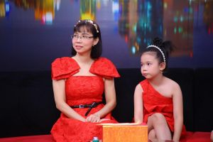 Mẹ bối rối khi con gái 8 tuổi được 'thụ tinh nhân tạo' hỏi về ba
