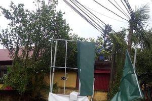 Thái Bình: Sau mưa dông nhiều công trình bị tốc mái, hư hỏng nặng