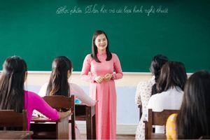 Giáo viên mùa dịch: Tạm dừng dạy, không dừng học
