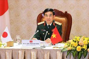 Thượng tướng Phan Văn Giang điện đàm Bộ trưởng Quốc phòng Nga