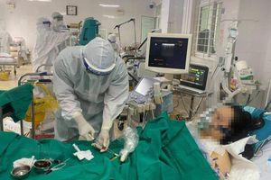 Bệnh nhân thở máy cuối cùng tại Bệnh viện Phổi Bắc Giang được rút ống nội khí quản