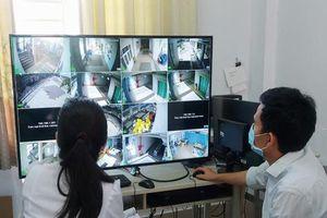 TP HCM: 'Mắt thần' trong các khu cách ly tập trung mới
