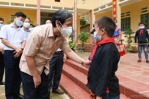 Bộ trưởng Nguyễn Kim Sơn: Học sinh Dân tộc thiểu số nỗ lực vượt khó trong học tập