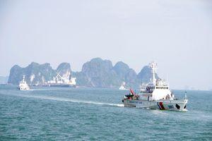 Huấn luyện chiến thuật vòng tổng hợp và bắn súng, pháo trên biển