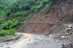Hòa Bình: Khẩn trương sơ tán 41 hộ dân trong vùng có nguy cơ sạt lở