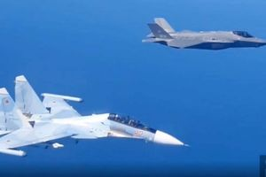 Báo Trung Quốc: Su-30SM Nga đã phô diễn vũ khí với F-35A ở cự ly rất gần