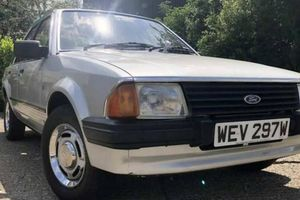 Chiếc xe Ford Escort 1981 của công nương Diana sắp được đấu giá