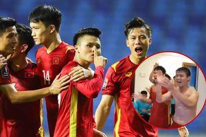 Clip: Đội tuyển Việt Nam hát 'Như có Bác Hồ trong ngày vui đại thắng' theo style cực 'mlem mlem'