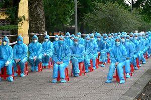Đón đoàn tình nguyện viên y tế trở về từ Bắc Ninh