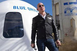 Chi 28 triệu USD bay vào vũ trụ cùng tỷ phú Jeff Bezos