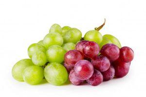 Nho xanh và nho đỏ, ăn cái nào tốt cho sức khỏe hơn?