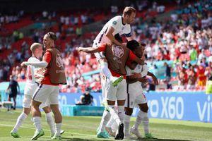 Sterling lập công, Anh thắng khó á quân thế giới Croatia