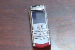 Làm rõ vụ trộm điện thoại Vertu trong ôtô