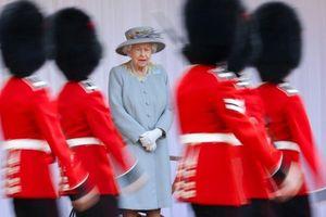 Lễ diễu binh mừng sinh nhật thứ 95 của nữ hoàng Anh