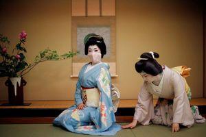 Công ty Nhật lên mạng gây quỹ để 'giải cứu geisha'