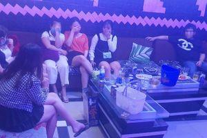 Phát hiện cơ sở karaoke đón khách trong mùa dịch